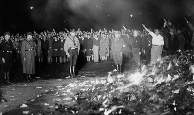 book burning nazi
